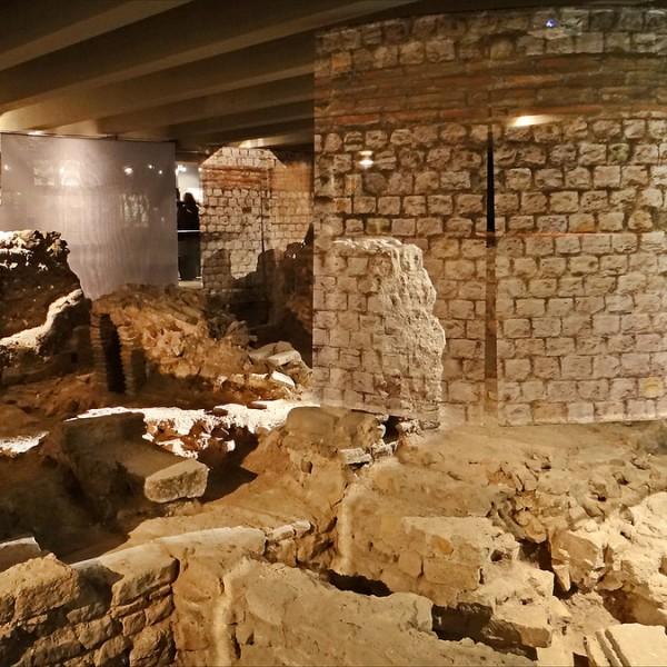 Crypte archéologique Île de la cité