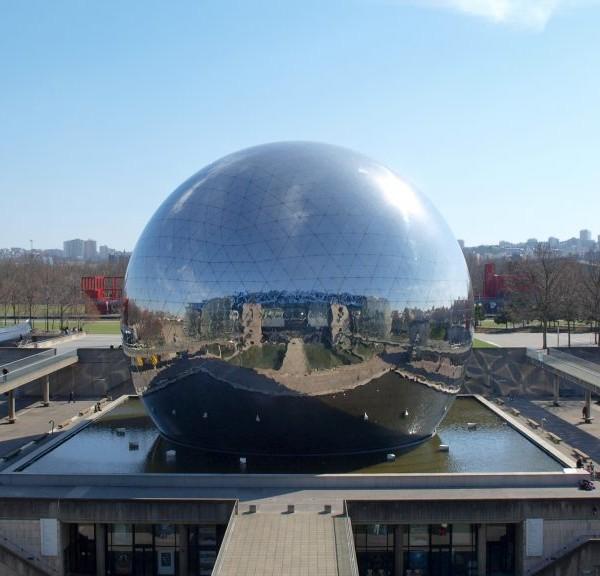 La-Cité-des-sciences-et-de-lindustrie
